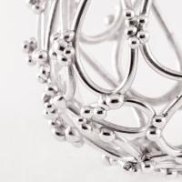 Acupression, un bijou de Clémentine Correzzola, Bijoutière émailleuse – Enamelling jewelry