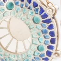 Histologie végétale, un bijou de Clémentine Correzzola, Bijoutière émailleuse – Enamelling jewelry