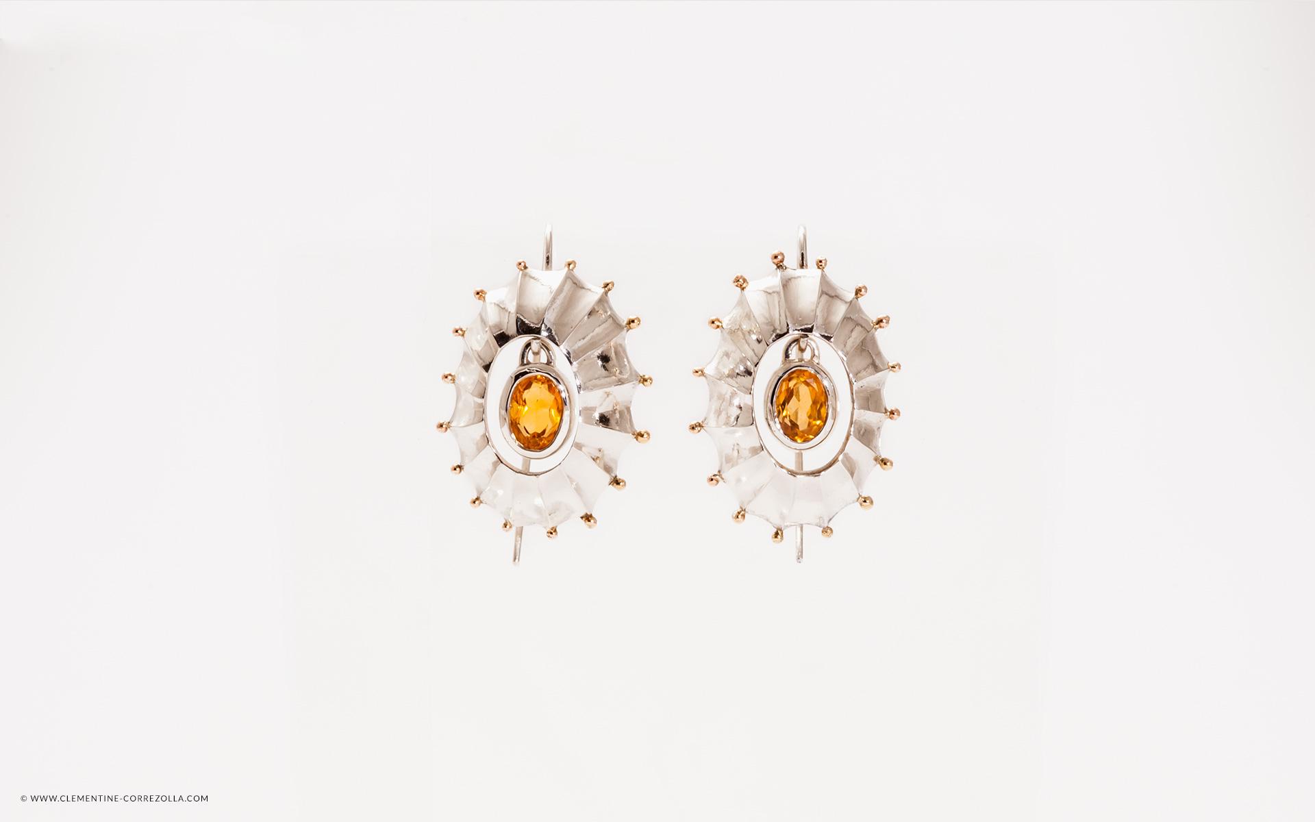 OUTON Bo/îte /à bijoux pour filles et femmes Mum en cuir PU /Étui /à bijoux de voyage avec serrure en similicuir Organisateur de bijoux pour bagues