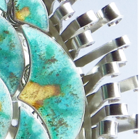 Soleil Vert, un bijou de Clémentine Correzzola, Bijoutière émailleuse – Enamelling jewelry